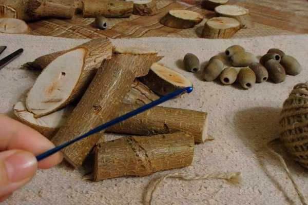 фото материалов, которые понадобятся для игрушки из дерева